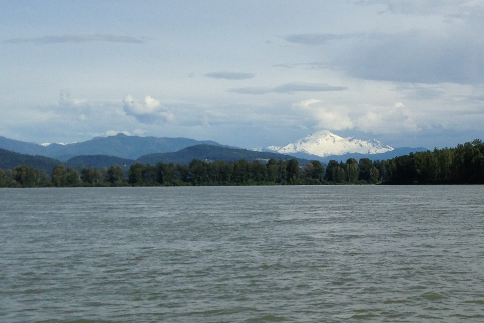 fraser river, mission bc, fraser valley, mt baker