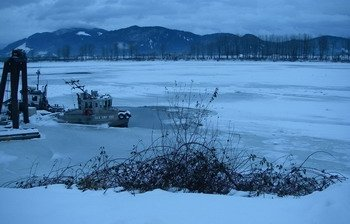 fraser river, frozen river